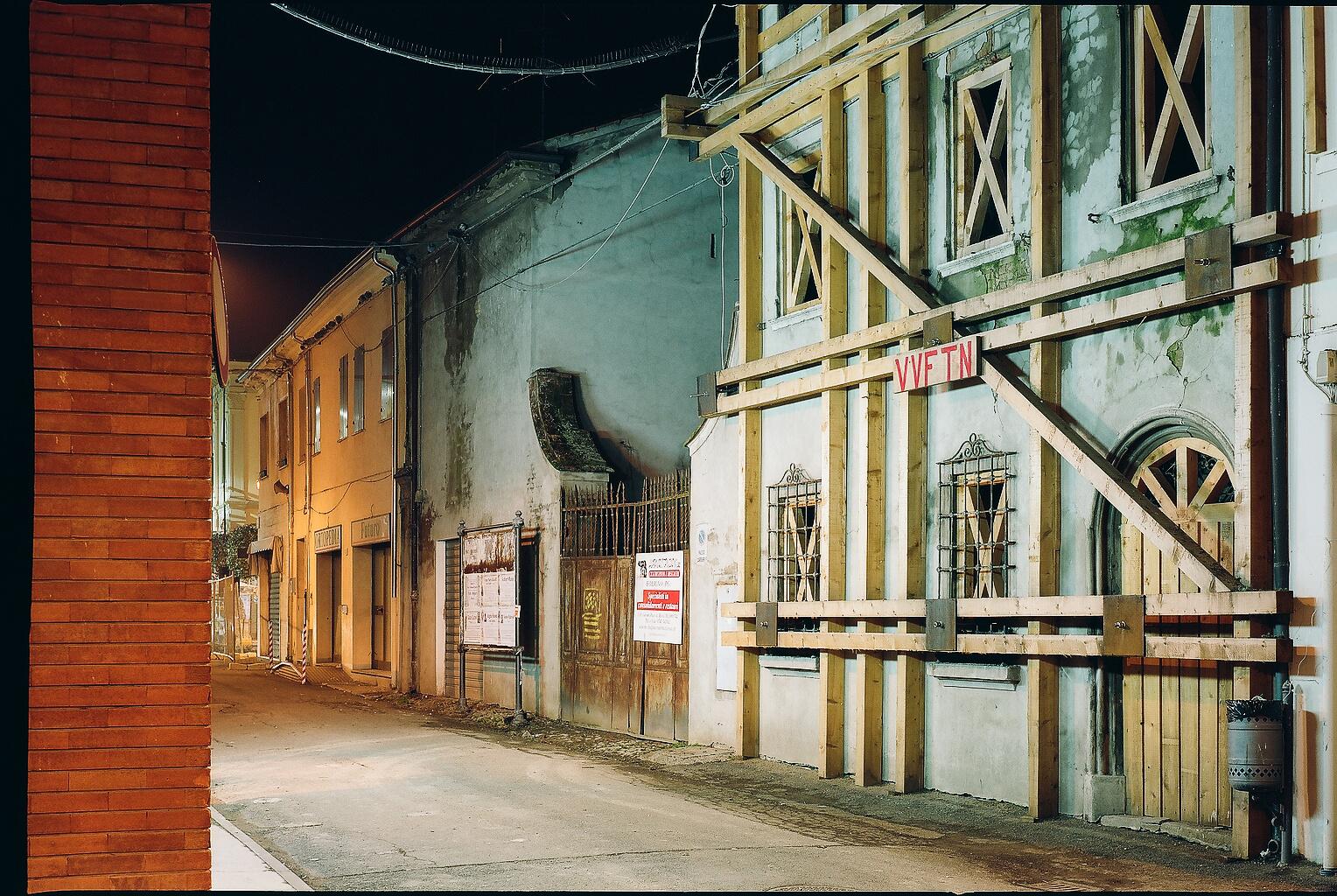 La ricostruzione dopo la catastrofe: da spazio in attesa a spazio pubblico @ Biennale Spazio Pubblico
